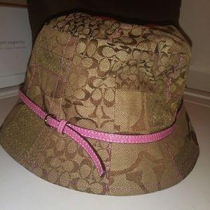 EUC COACH Bucket Hat